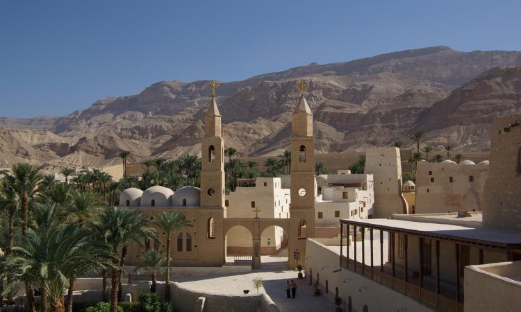 مؤمنون في الطريق نحو دير الأنبا أنطونيوس بالبرّية الشرقيّة - (مصر) Berthold Werner ©
